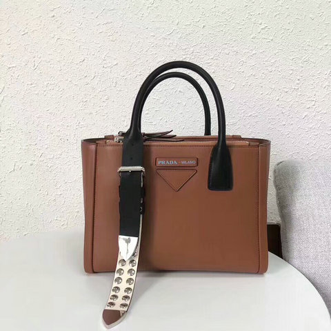 2018 S/S Prada Concept Metal Studs Leather Handbag in Cognac+White