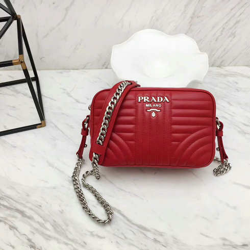 2018 S/S Prada Diagramme Leather Cross-body Bag in Red